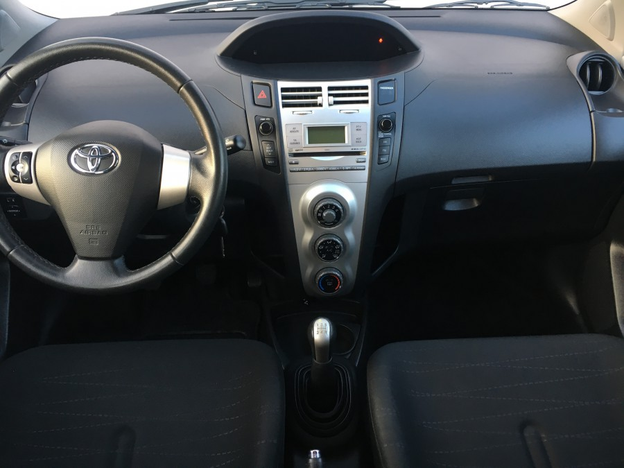 toyota yaris 1 2 vvti 87 ch finition limited edition